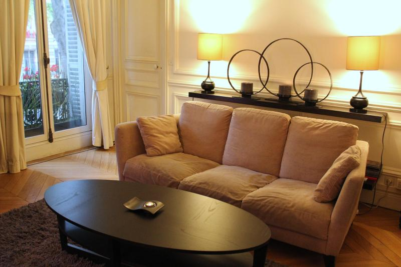 Living room on Bd St Germain - St. Germain Vacation Apartment in Paris - Paris - rentals