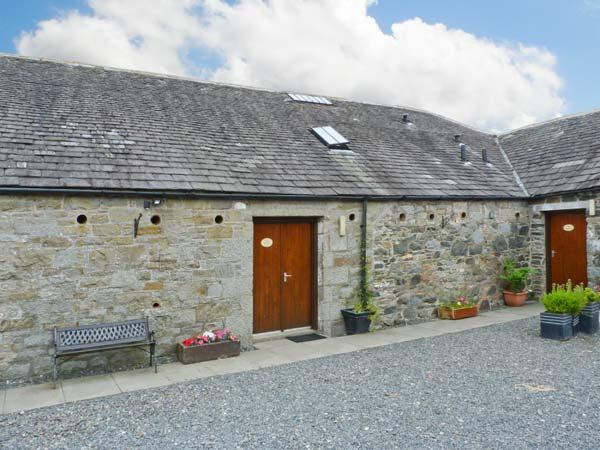 THE DAIRY lovely views, two bedrooms, near to town in Newton Stewart Ref 26077 - Image 1 - Newton Stewart - rentals