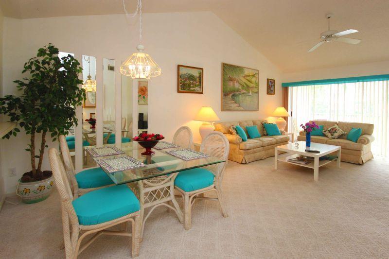 Living room - Condo unit in Lely Golf Estates area - Naples - rentals
