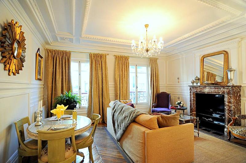 OCT DEAL Royal Luxury in Historic Center Free WiFi - Image 1 - Paris - rentals
