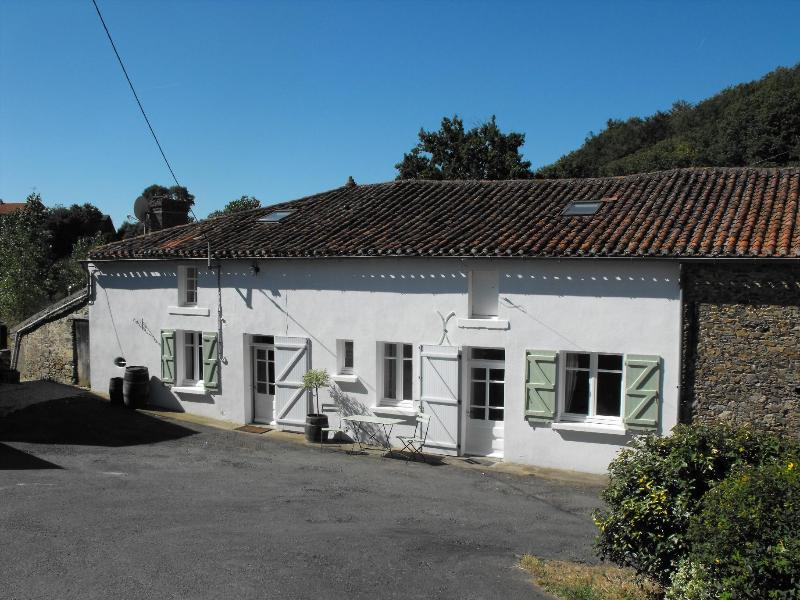 Le Moulin - Stunning, 4 bedroom mill house with private pool. - Fromentine - rentals