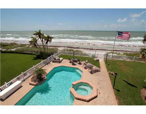 Pool and beach - WARM AND SUNNY ON THE GULF OF MEXICO AND YOU'RE WHERE? - Redington Beach - rentals