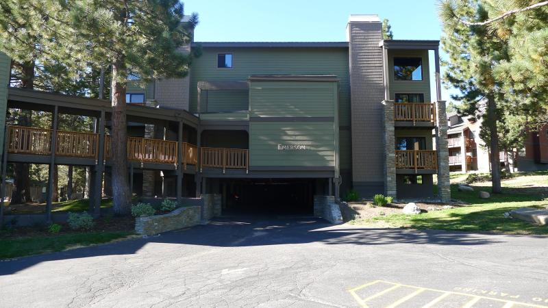 Building where unit is located - Serene & cozy condo + wifi,pool,gym - Mammoth Lakes - rentals