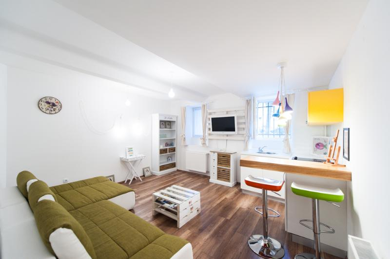 Modern and new apartment in the center of Zagreb , on British square - Image 1 - Zagreb - rentals