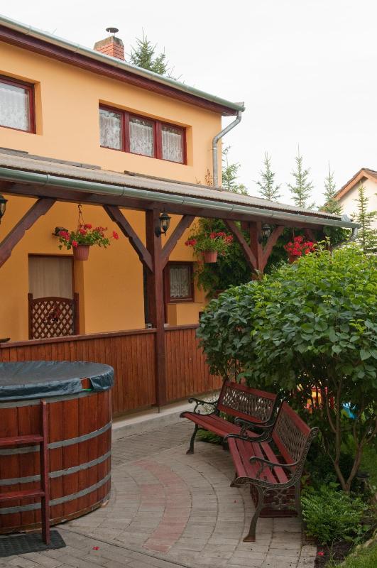 Family apartment in the Villa Julia - Image 1 - Heviz - rentals