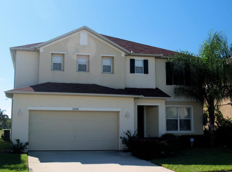 Front of House - Villa 984:  Luxury 6 Bedroom, Pool, Spa, Lake View - Clermont - rentals