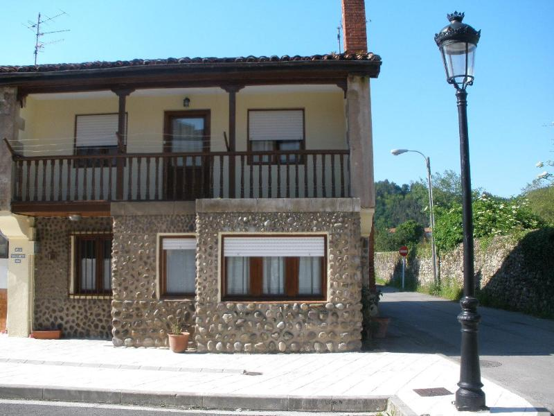 fachada - house near sea and mountains - Cabezon de la Sal - rentals