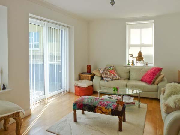 HARBOUR APARTMENT, balconies, en-suites, in Clifden, Ref. 25989 - Image 1 - Clifden - rentals
