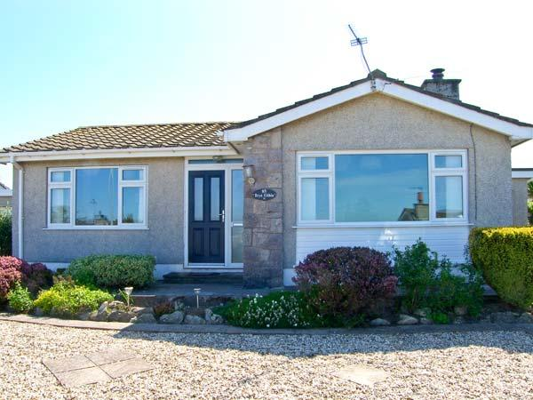 BRYN EITHIN, close to the coast, all ground floor, table football, in Benllech, Ref. 26122 - Image 1 - Benllech - rentals