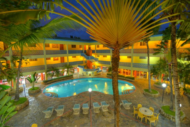 Santo Domingo 1 Bedroom Apartment - Image 1 - Santo Domingo - rentals
