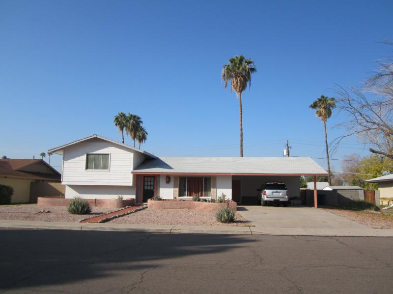 Front Elevation - Tempe  Getaway -- Half or Whole house rental - Tempe - rentals