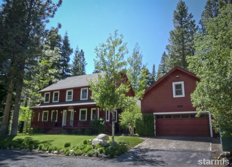 Big Red - Comfortable for the whole family.  Over 3000 Square foot of fun in the summer or winter - Lrg Family Home -  Pool Table, Hot Tub, Forest/Mtn - South Lake Tahoe - rentals