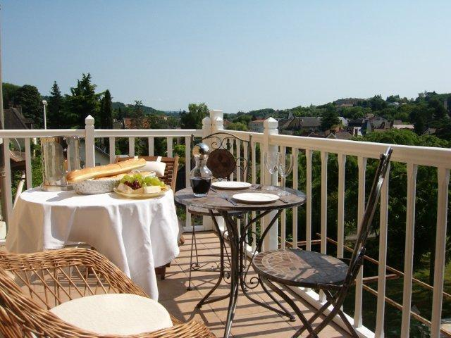 Balcony with beautiful views over Sarlat - Maison Pierre D'Or - Degas Apartment - Sarlat-la-Canéda - rentals