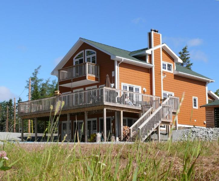 House with holiday apartment - Fiddlerslake Romantic Apartment at the lake - Cape Breton Island - rentals