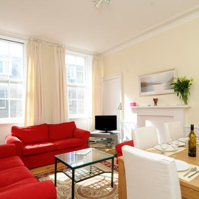 Lovely 3 double bedroom 2nd floor city centre apt - Image 1 - Edinburgh - rentals