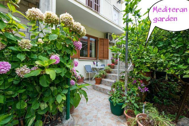 Dubrovnik  apartment  for 2  in mediteran garden - Image 1 - Dubrovnik - rentals