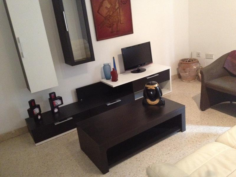 Sliema-Central, spacious 2 bedroom flat in Sliema - Image 1 - Sliema - rentals
