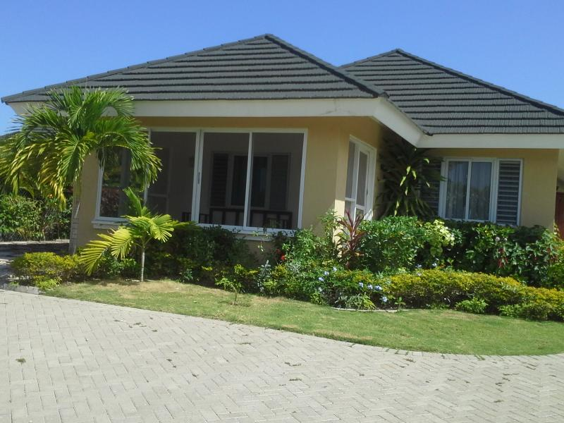 FRONTAL VIEW OF VILLA MESHED PORCH + PARKING - 3BD Villa Including Housekeeper/ Airport Transfers - Saint Ann's Bay - rentals