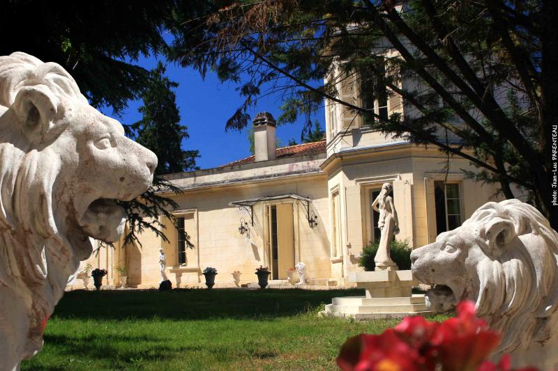 Chateau la Moune - HOTEL in a Castle 13th century close to Bordeaux - Montussan - rentals