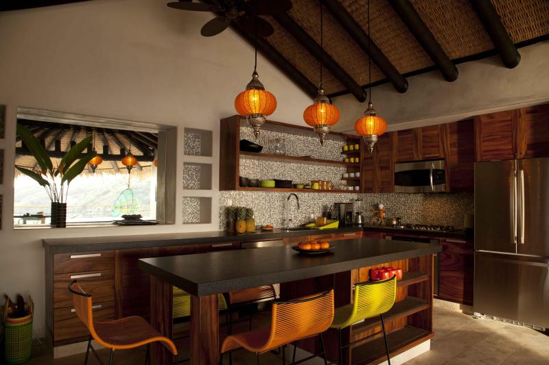 New Luxury 2-Bed Condo + Hotel Amenities, La Ropa - Image 1 - Zihuatanejo - rentals