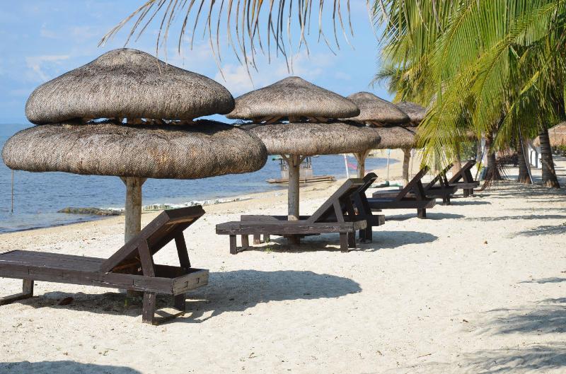 RELAX ON THE BEACHFRONT! - Rent Duplex In Beautiful Resort - Philippines - Quezon - rentals