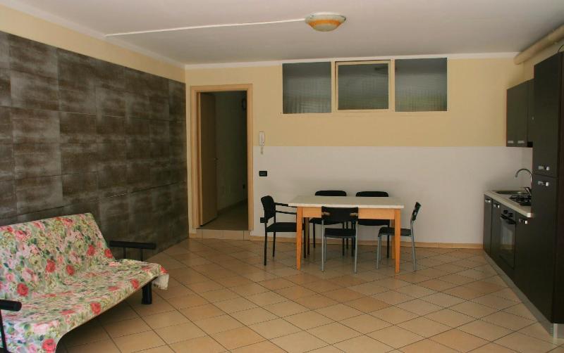living area with sofa bed - Appartamento Solferino Desenzano del Garda - Desenzano Del Garda - rentals
