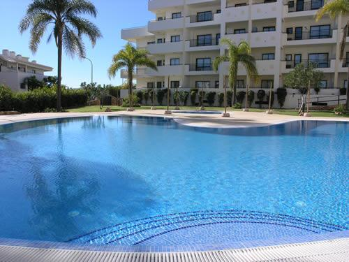 Stunning communal pool area, with poolside snack bar - Cerro Mar Colina Apartment B - Albufeira - rentals