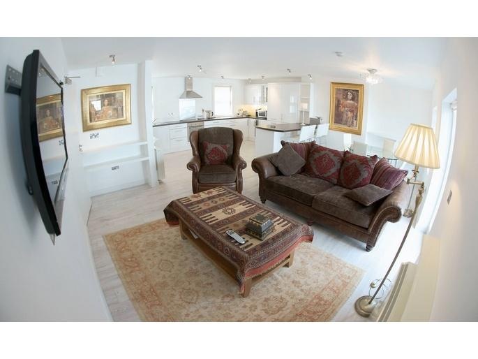 Newborough - Luxury Apartment in town centre - Image 1 - Kinsale - rentals