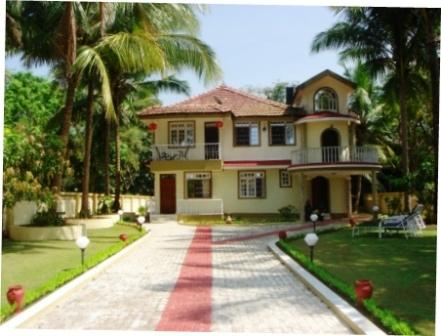 The driveway for private and sercure parking - Casa de Jardin Great Rates for 2 people South Goa - Varca - rentals