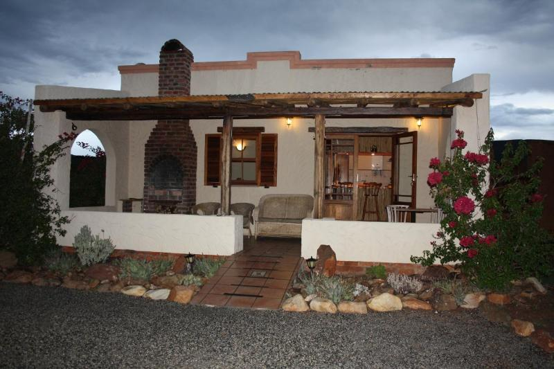 Klein Karoo Valley Guest Cottage on Route 62 - Image 1 - Ladismith - rentals
