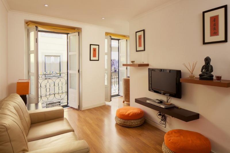 Apartment in Lisbon 249 - Chiado/Bairro Alto - Image 1 - Lisbon - rentals