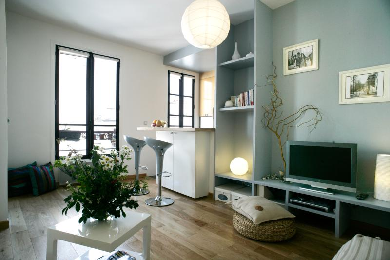 Salon - Paris Vacation Rental at Moulin Montmartre - Paris - rentals
