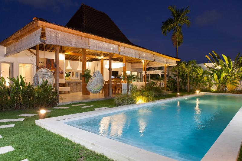 Exterior - New 4 Bedrooms, only 300m to Eat Street - Bali - rentals