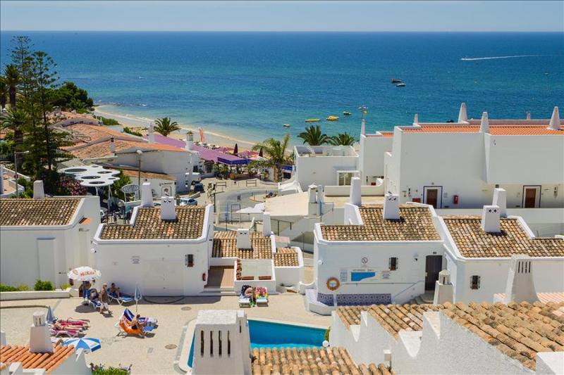 1 Bedroom Apartment Sea View For 2 Adults & 2 Children in Oura Beach - ALBUFEIRA - REF. GB114317 - Image 1 - Albufeira - rentals