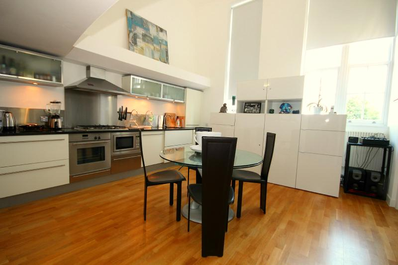 Superb 2 bedrooms flat in Battersea/Vauxhall - Image 1 - London - rentals