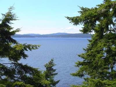 Woodsea - West Facing WF Home w/Path to Beach - Image 1 - Lopez Island - rentals