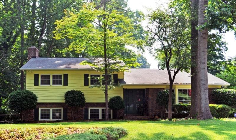 Exterior Front - Southpark-Convenient to Uptown/Southpark/Ballantyne - Charlotte - rentals