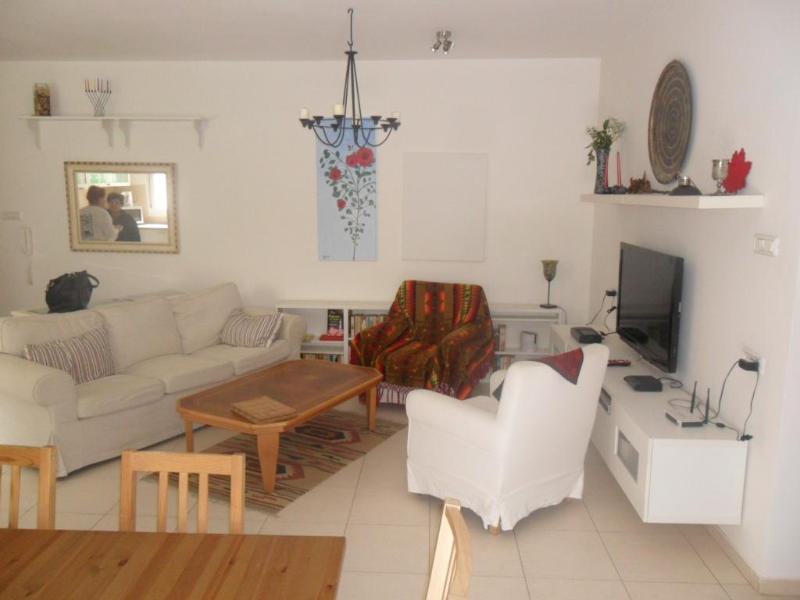 Be'er Sheva Luxurious 2 bd, 2 ba with lrg garden - Image 1 - Beersheba - rentals