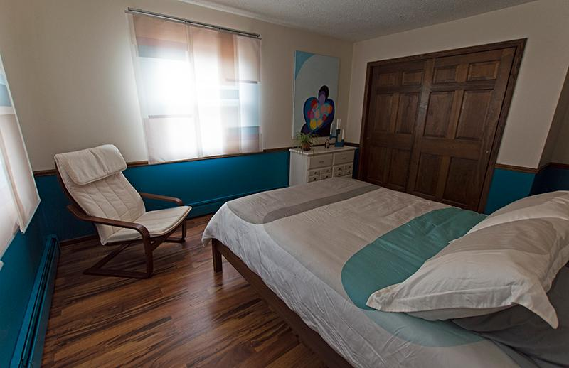 Kymi- As warm as a summer's breeze, this room will envelope you with its casual sophistication. Enjoy a fabulous night's sleep in the plush queen bed. From the windows you can behold the forest and wildlife. The bathroom includes a tub/shower combinat - LaRose Wellness Retreat-Kymi Room - Baraga - rentals