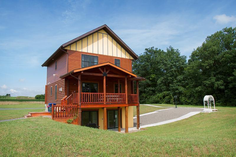 Canandaigua Log Home at Cobtree - Canandaigua Log Home by Seneca Lake at Cobtree - Geneva - rentals