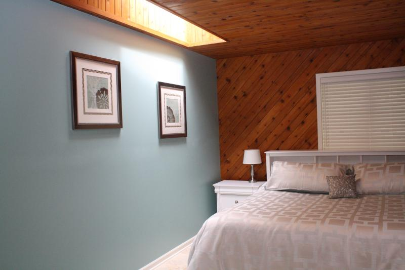 Bay Town Suite--Hospitality by the bay - Image 1 - Traverse City - rentals