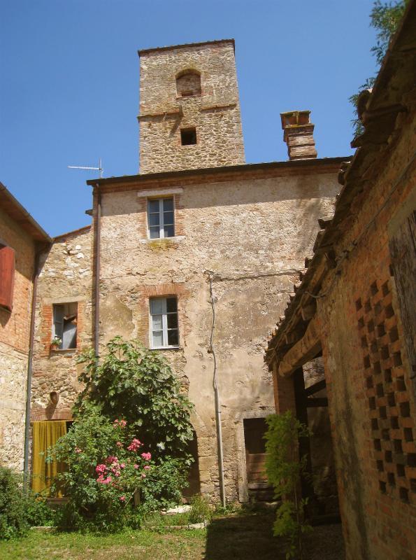 Entrance facade. - 2 Bedroom Bed and Breakfast at Organic Horse Farm - Rapolano Terme - rentals