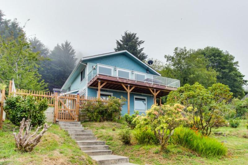 Blue Horizon with Ocean View - Image 1 - Yachats - rentals