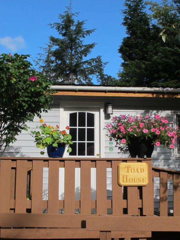 Entrance - TOAD FARM GUEST HOUSE - Tlell - rentals