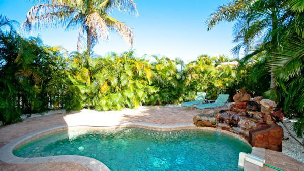 Pool 1 - LA COCONUT - Holmes Beach - rentals