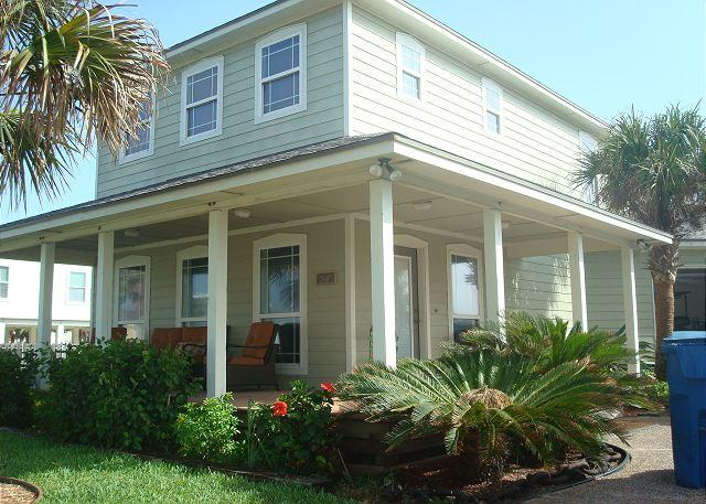 Fabulous 3 bedroom with a private pool! - Image 1 - Port Aransas - rentals