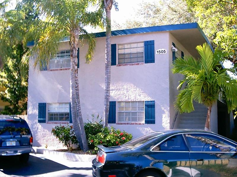 BUILDING - Victoria Park Tropical Oasis ~  2/1 ~ Mins to Beac - Fort Lauderdale - rentals