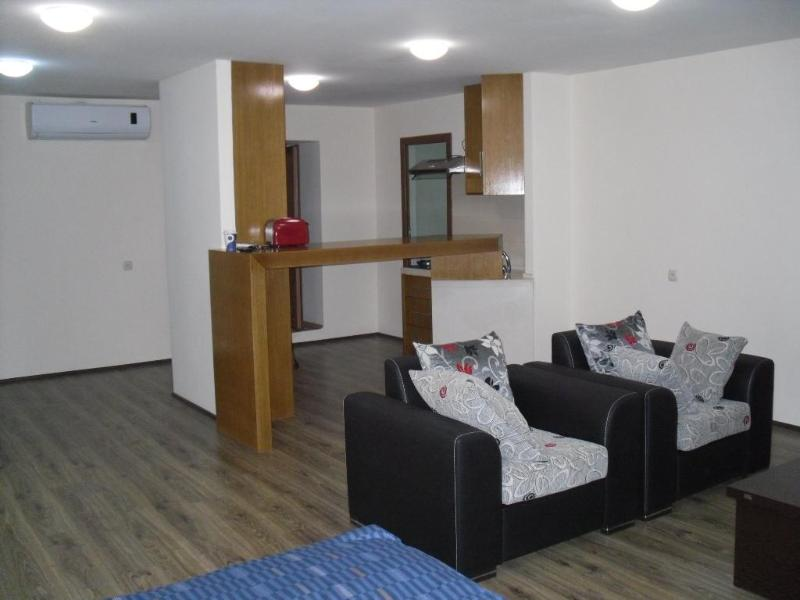 Apartment on Rustaveli Ave, Very center of Tbilisi - Image 1 - Tbilisi - rentals