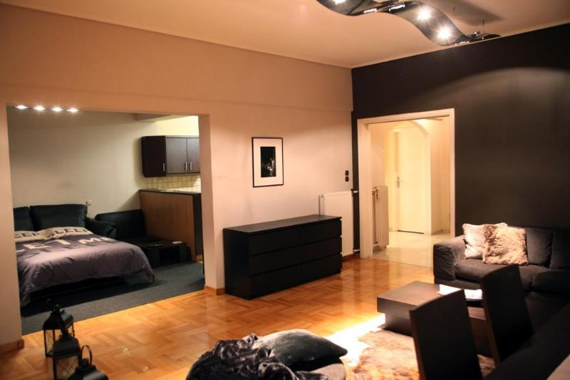 A Luxury 3 - Bedroom Apartment in Athens - Image 1 - Athens - rentals