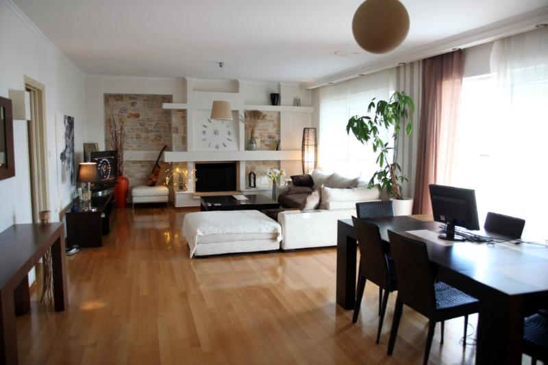 A Fantastic Holiday  Apartment with Ocean Views - Image 1 - Glyfada - rentals